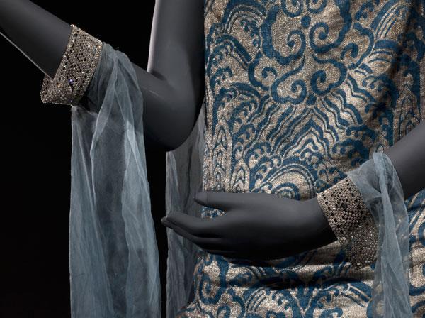 Exposition : Roman d'une garde-robe, le chic d'une Parisienne de la Belle Epoque aux années 30