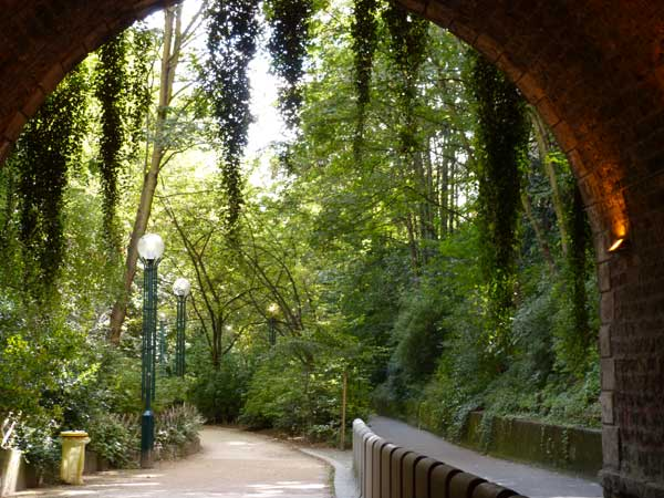 tunnel-promenade-plantee-green-hotels-paris-gavarni-eiffel-trocadero