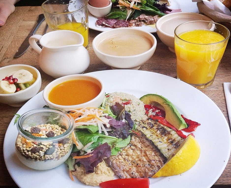 Enjoy a vegan brunch at Le Pain Quotidien