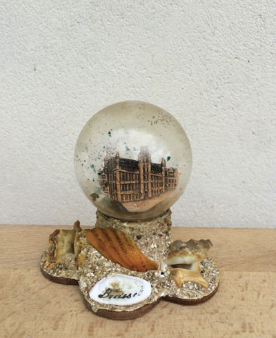 Exhibition : Snow Globes