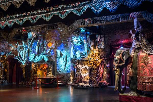 theatre-du-merveilleux-musee-arts-forains-sebastien-siraudeau-green-hotels-paris-eiffel-trocadero-gavarni