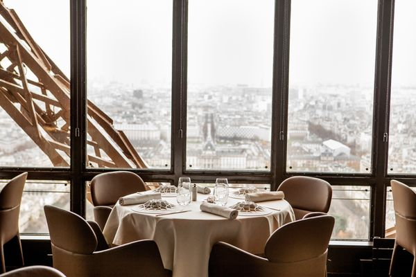 Tour Eiffel Restaurants Green Hotels Paris