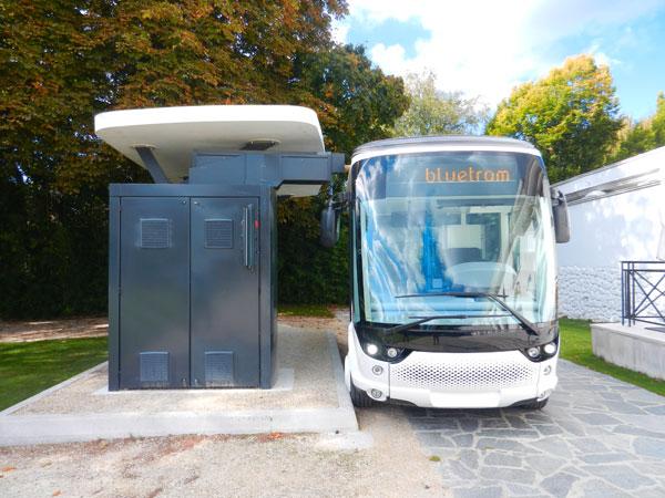 Bluetram : le tramway électrique des Champs-Elysées