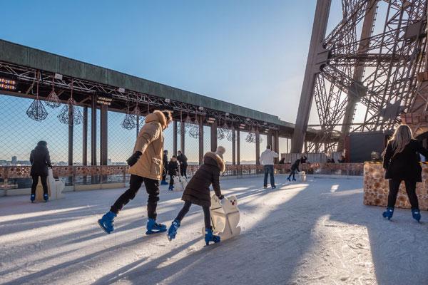 La patinoire de la tour Eiffel fait son grand retour
