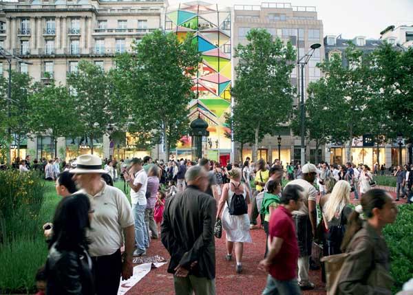 Les Champs-Élysées rendus aux piétons une fois par mois