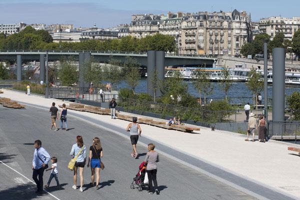 La reconquête des berges de Seine de la rive droite