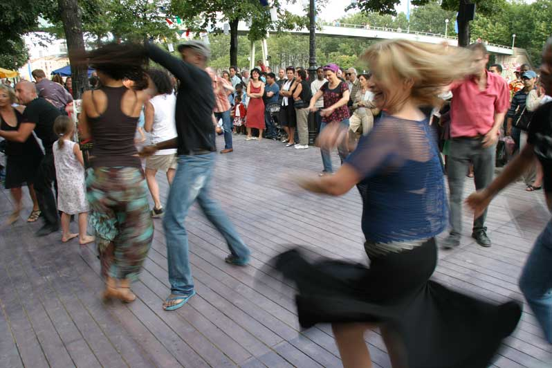 festival-ete-du-canal-photo-seine-saint-denis-tourisme-cours-salsa-green-hotels-paris-eiffel-trocadero-gavarni