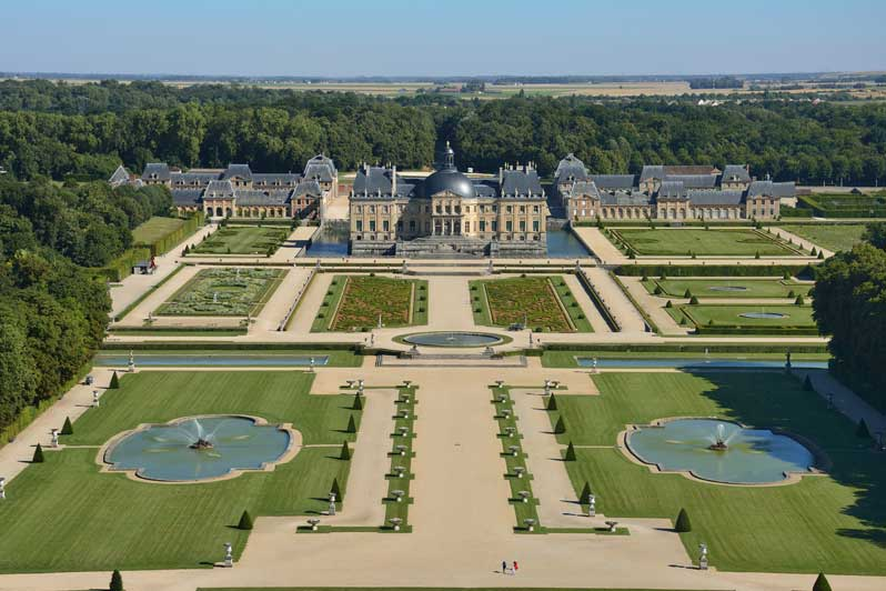 chateau-vaux-le-vicomte-exterieur-photo-lourdel-chicurel-green-hotels-paris-eiffel-trocadero-gavarni