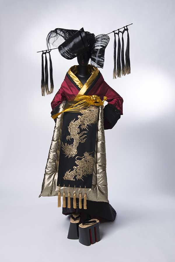 exposition-kimono-musee-guimet-junko-koshino-kimono-oiran-credit-yutaka-mori-green-hotels-paris-eiffel-trocadero-gavarni