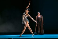 Alonzo King and the LINES Ballet dazzle Chaillot