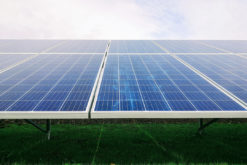 (Français) Des chercheurs génèrent de l'eau potable grâce à l'énergie solaire