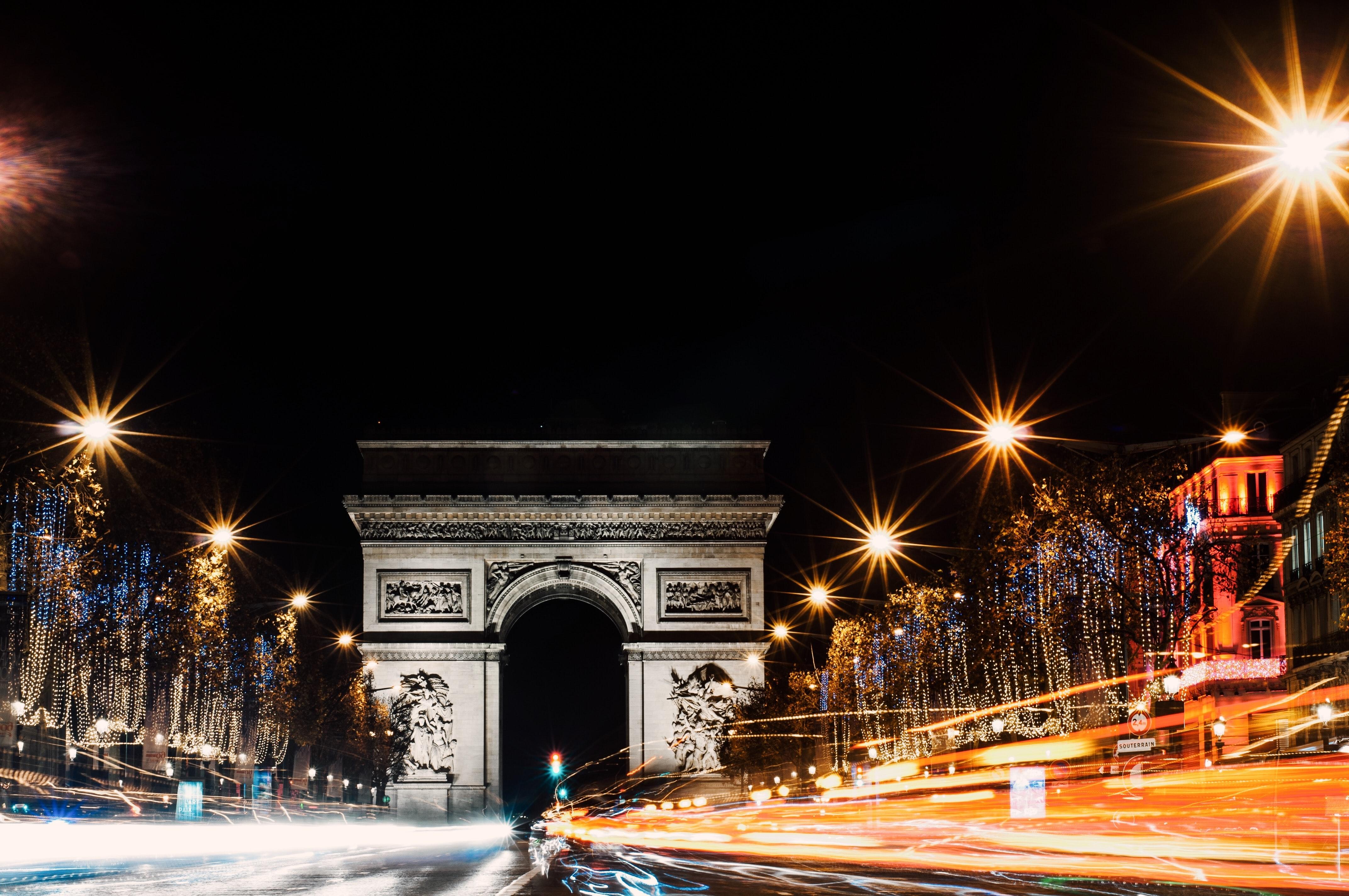 Lutte contre la pollution lumineuse : un nouveau plan lumière pour Paris ?