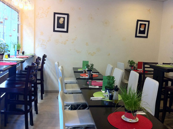 Gourmet Break at the Bio Sphère Café