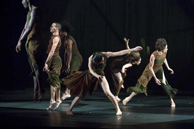The Song of Songs by Abou Lagraa at Chaillot