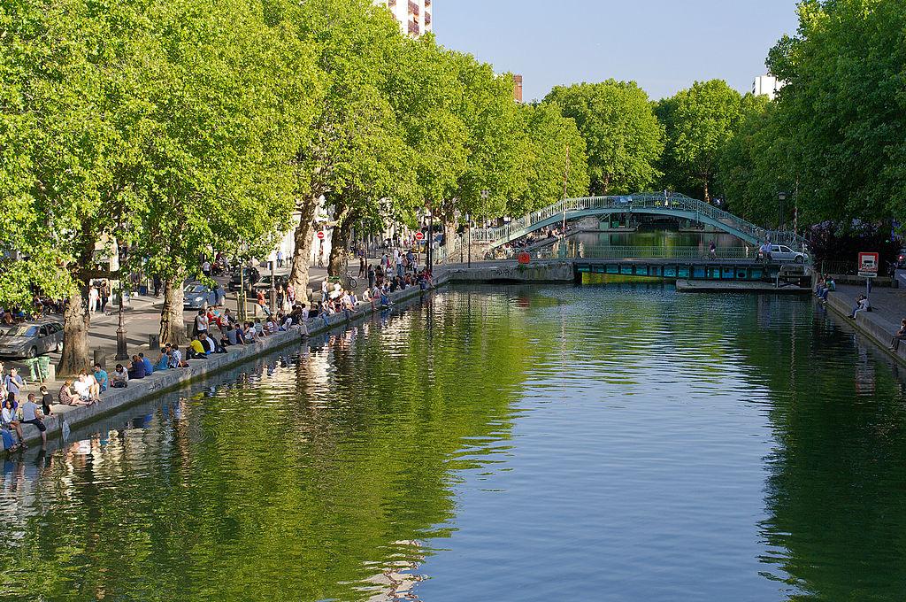 (Français) Le premier radeau végétalisé de Paris débarque sur le canal Saint-Martin